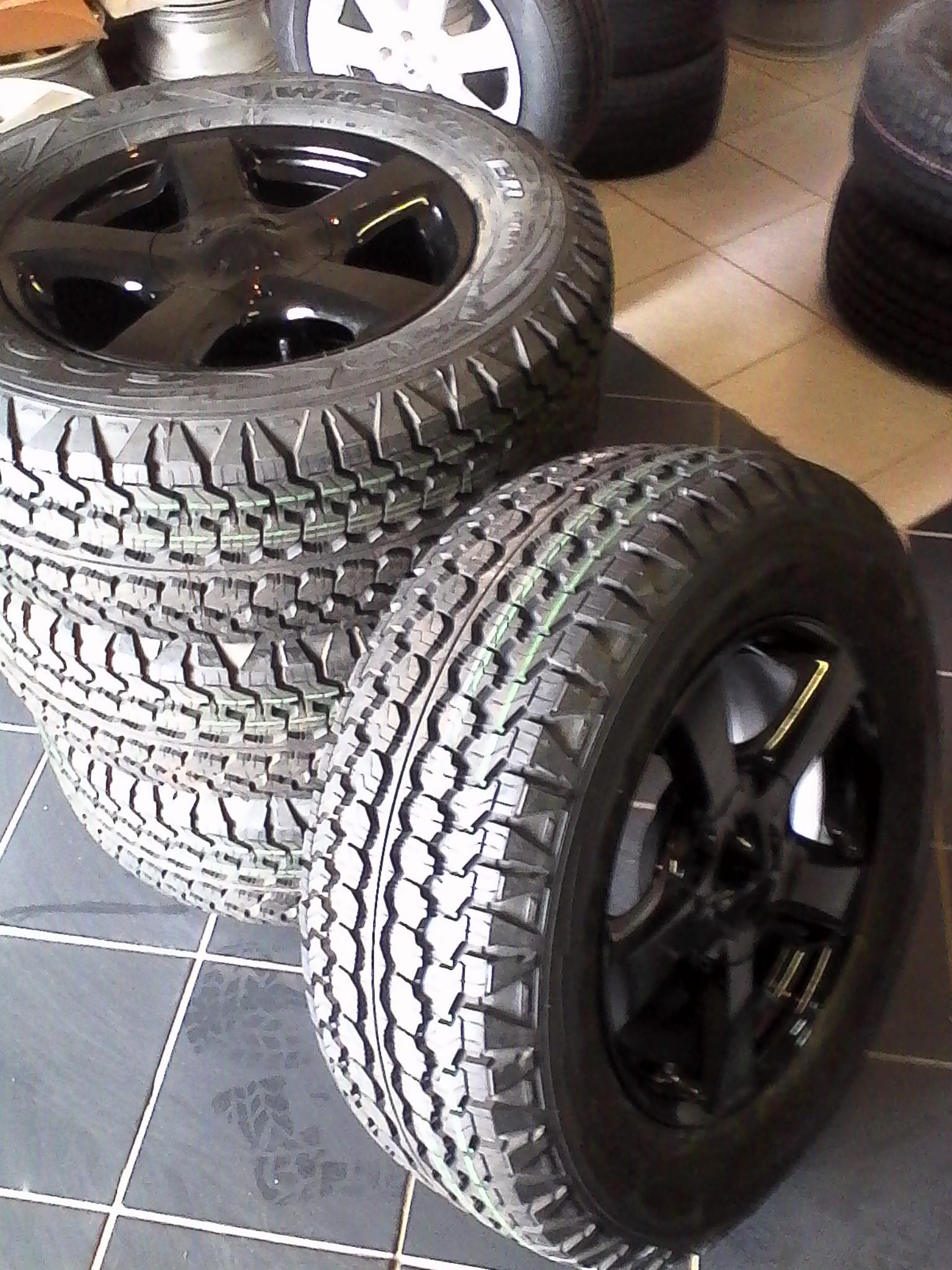 Set of 17'' isuzu bakkie mags with new tyres 255/65/17 goodyear wrangler A/T 4x combo,