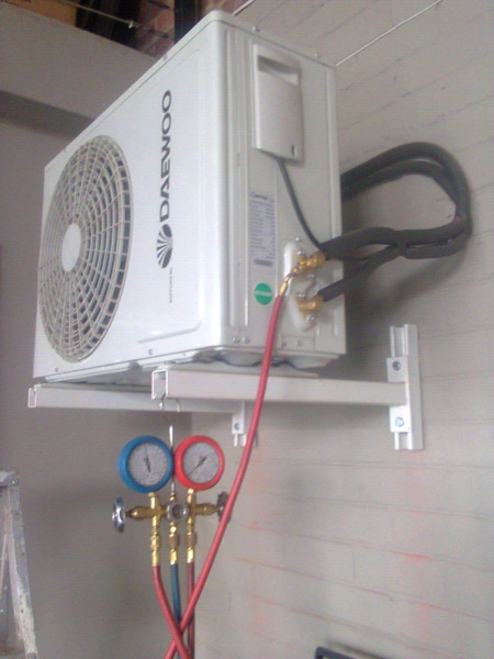 Commercial|Residential Aircon Installers, Flats, Hotels, B&B and Complexes