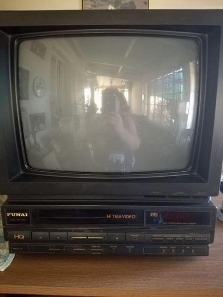Funai tv met videomasjien