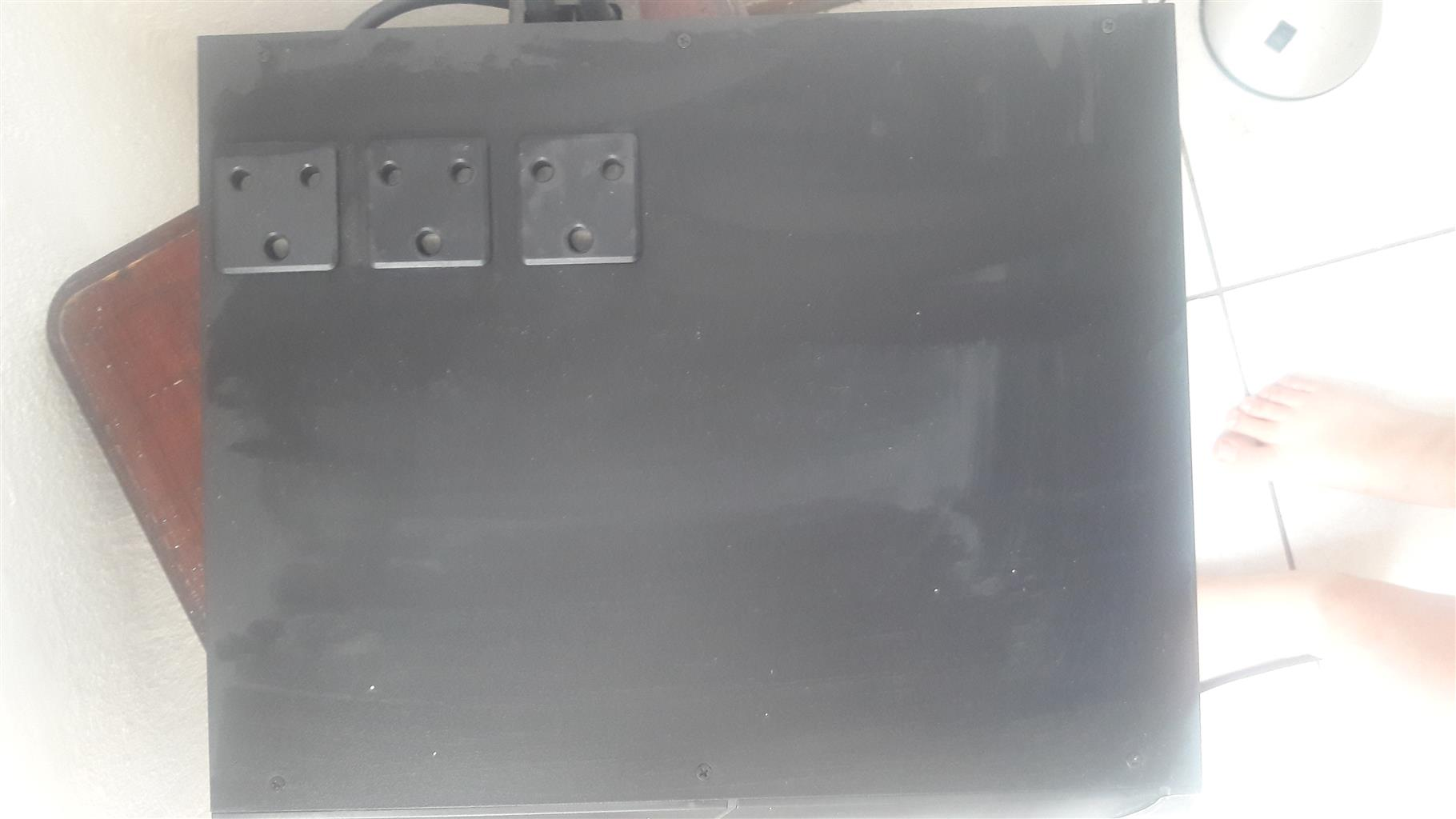 15OOW UPS power system with batteries