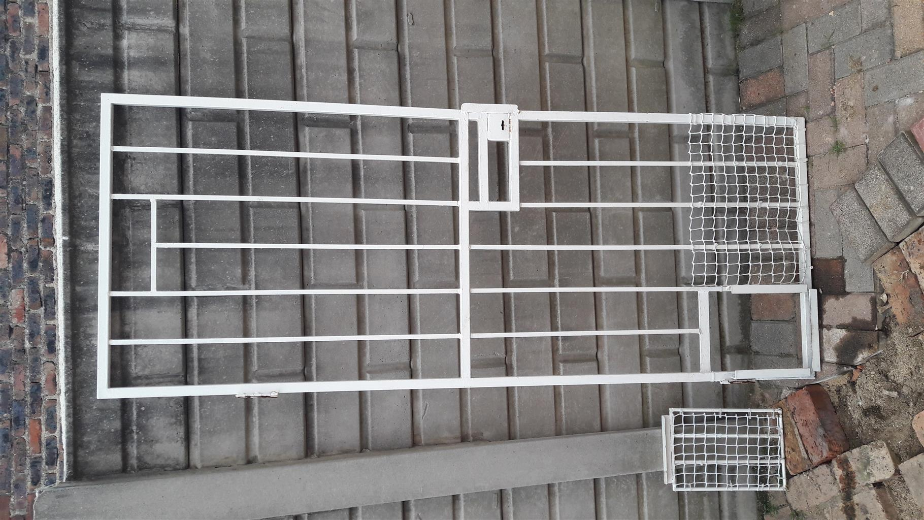 Security gate with lock and doggy gate