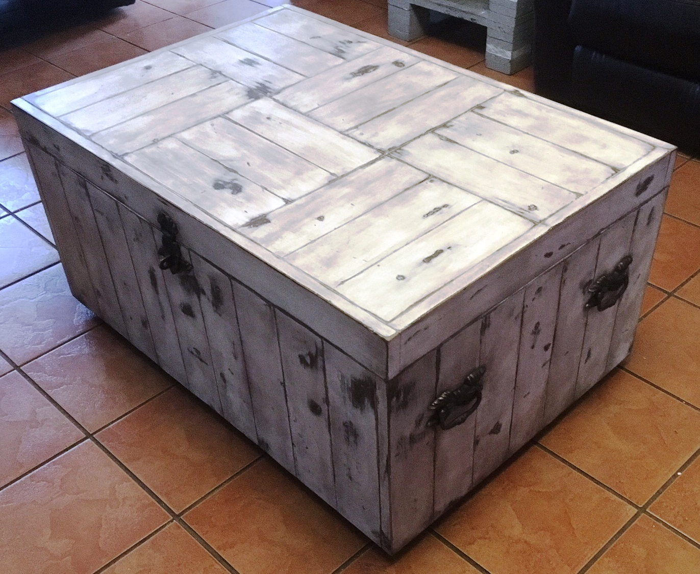 Coffee table Farmhouse series 1100 Box type (White washed distressed)