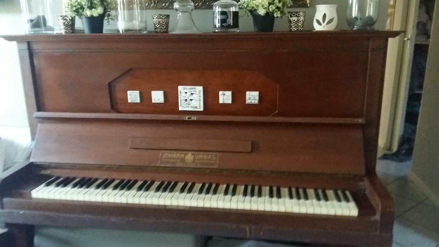 Classic vintage piano, from Dresden, Germany. Opens up for projection.