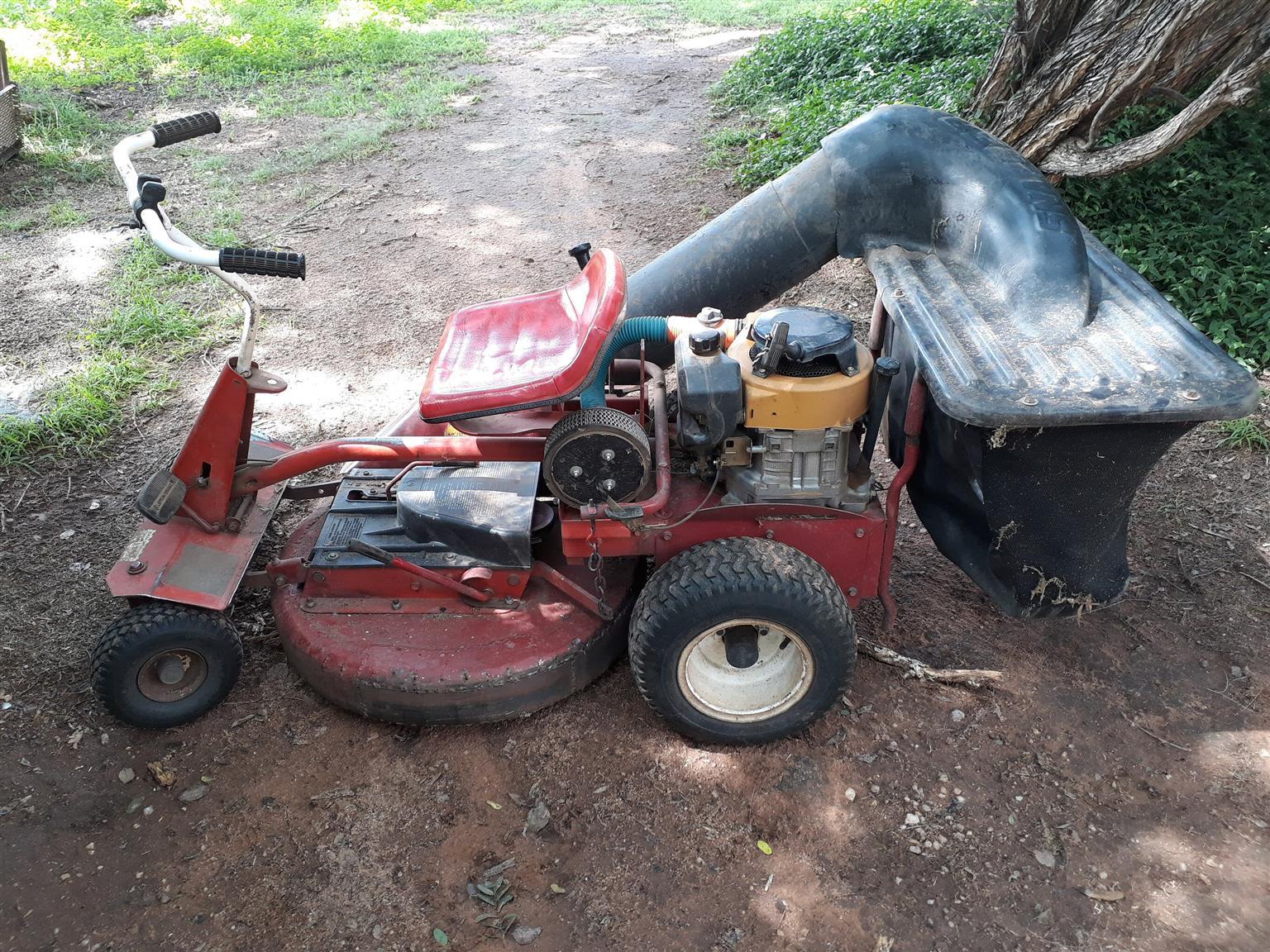 Snapper Lawnmower  730mm URGENT