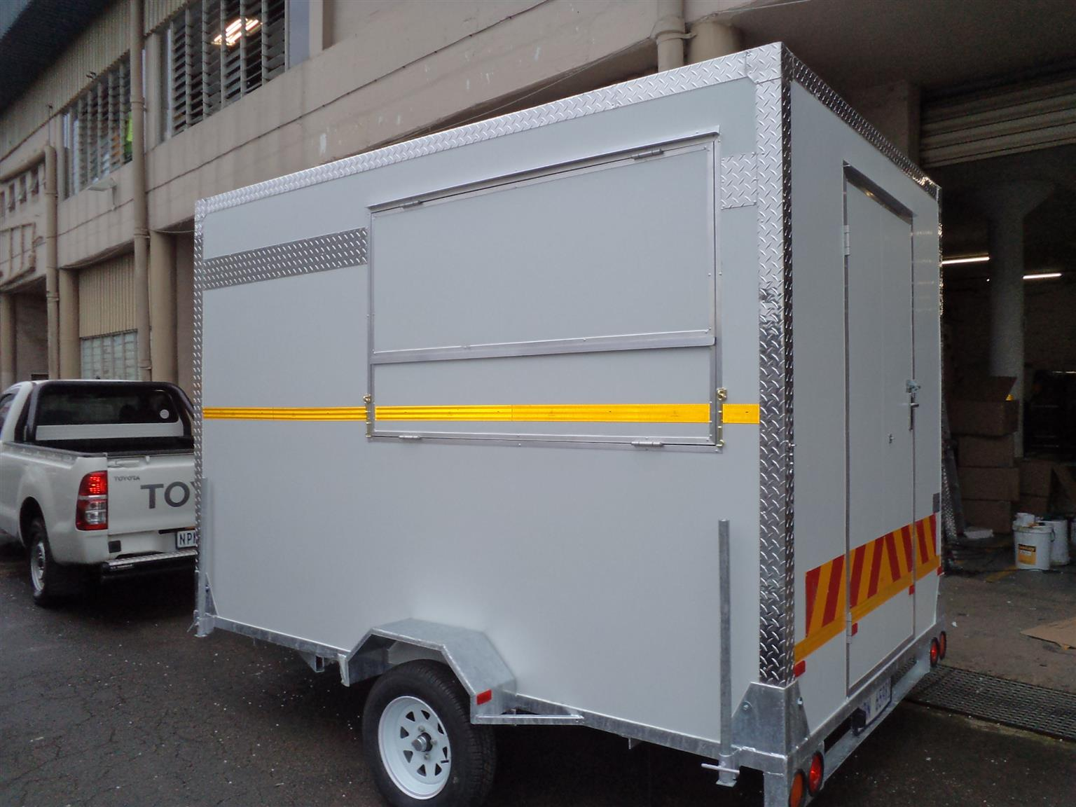 Mobile Kitchen, Freezers,Chillers and Other Trailers | Junk Mail