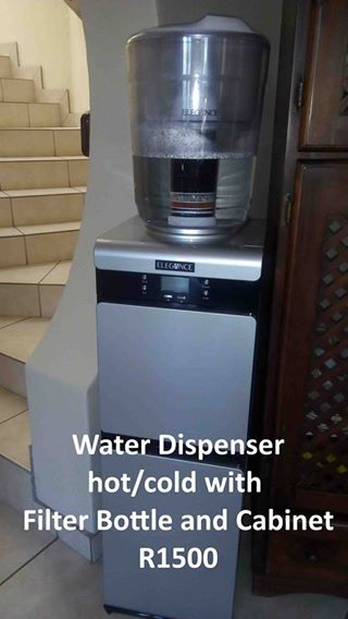 Water dispenser hot and cold