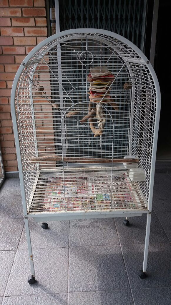 Parrot cage. Good condition.