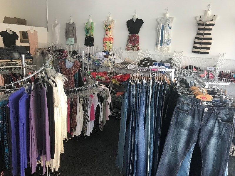 Urgent Sale-Clothing Store with all with extras