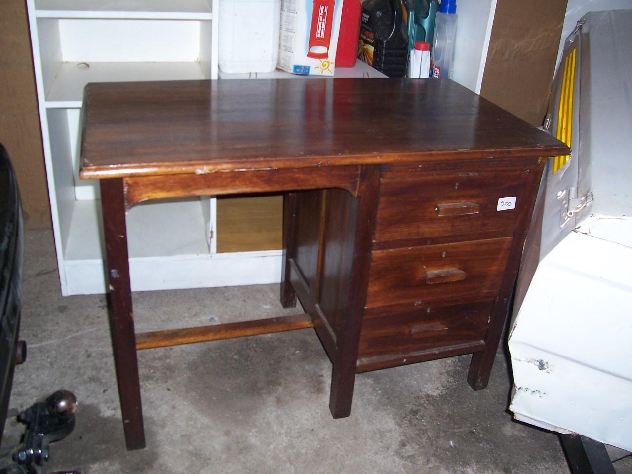 Desk, Kiaat - R500