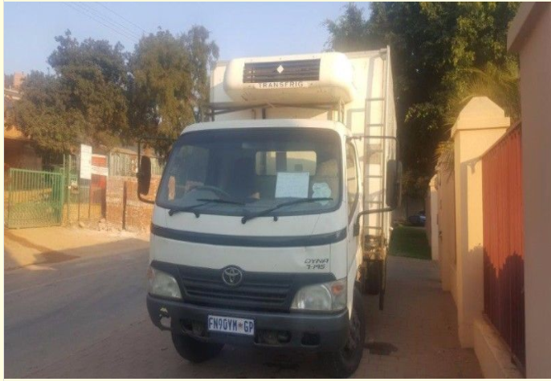 Toyota Dyna refrigerated, 4Ton Truck for sale