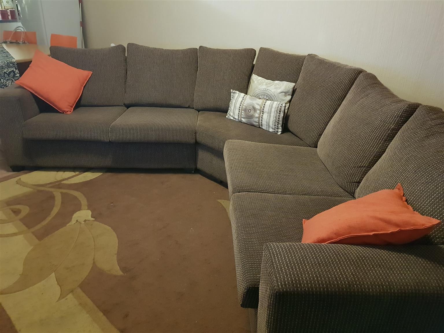 5 Seater Corner Lounge Suite