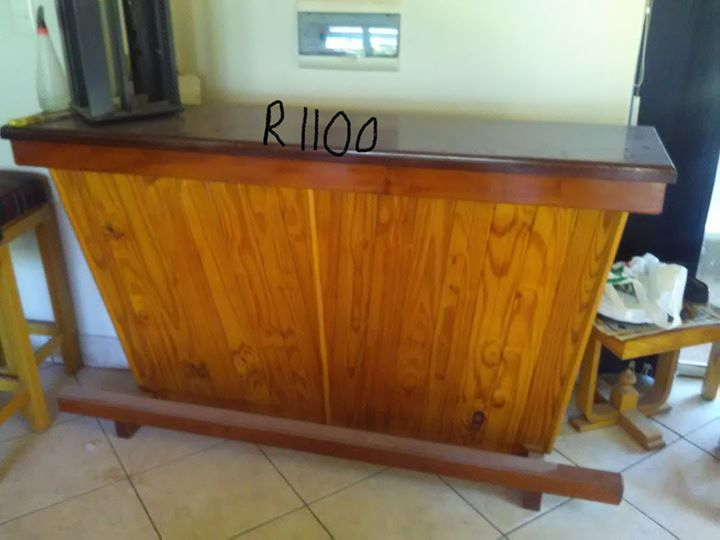 Solid wood Bar with under counter storage