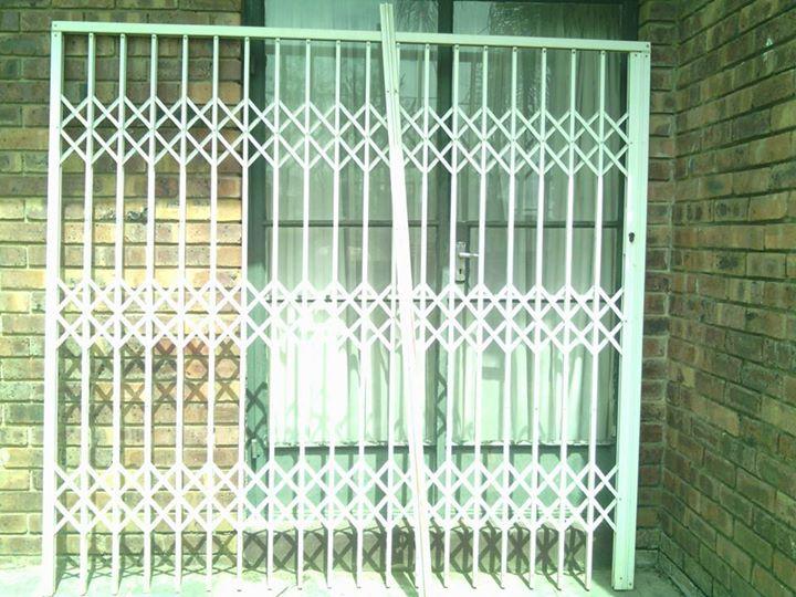 2.2m original Trellidor sliding security gate