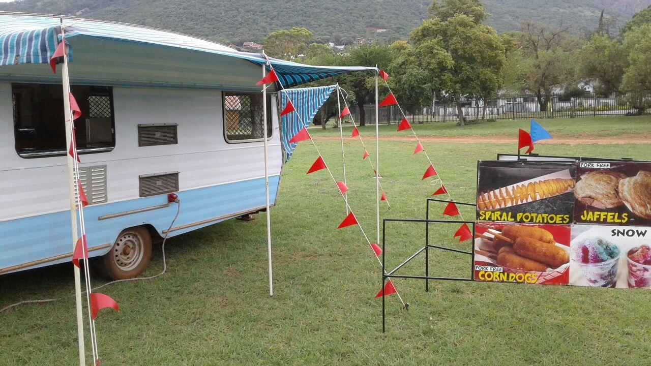 Food Caravan - Very well Equipped (R Neg)