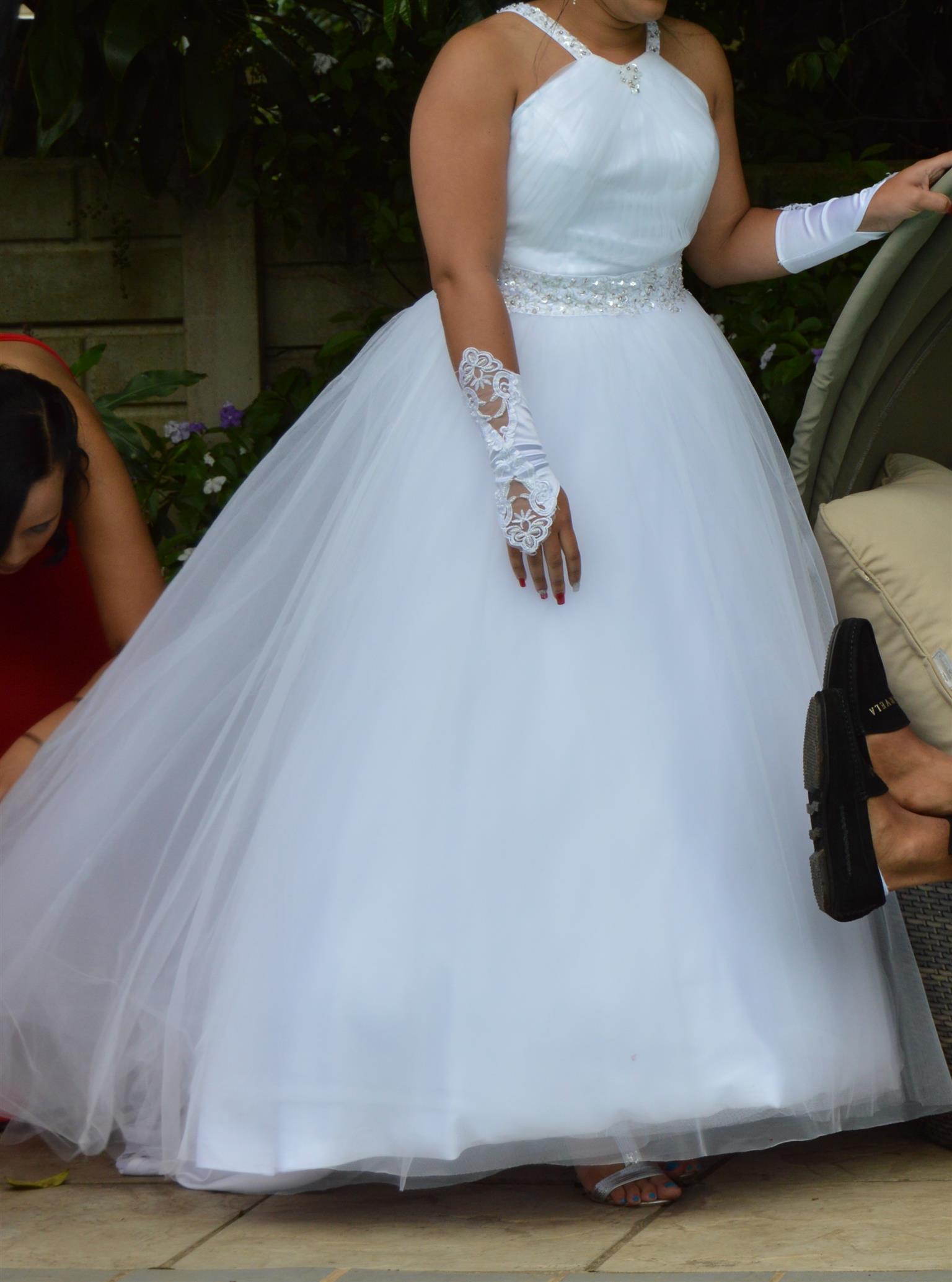 Nice Wedding Dress For Hire Crest - Wedding Plan Ideas ...