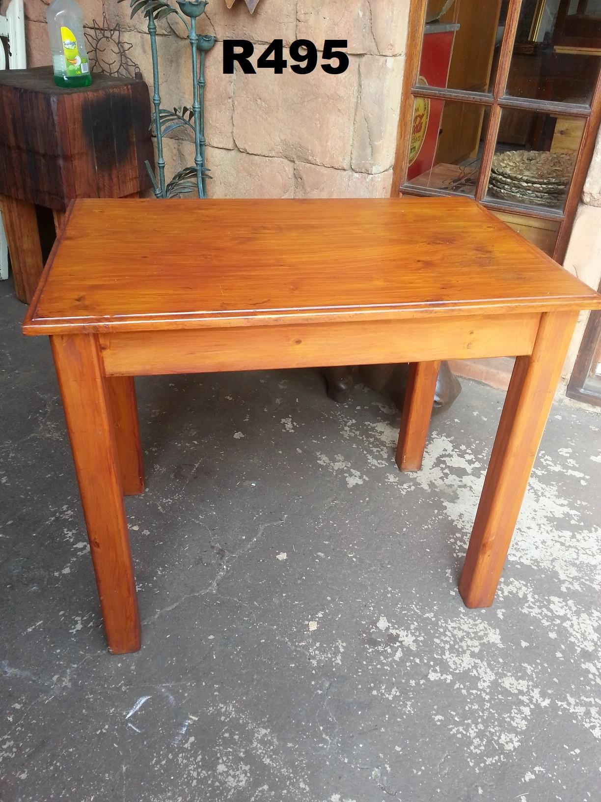 Small Pine Desk (900x595x765)