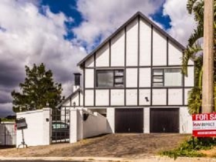 Guest House for sale in Somerset West, Cape Town