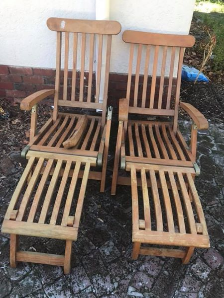 2 Outdoor loungers for sale