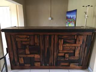 SOLID SLEEPERWOOD BAR AND 4 BAR STOOLS