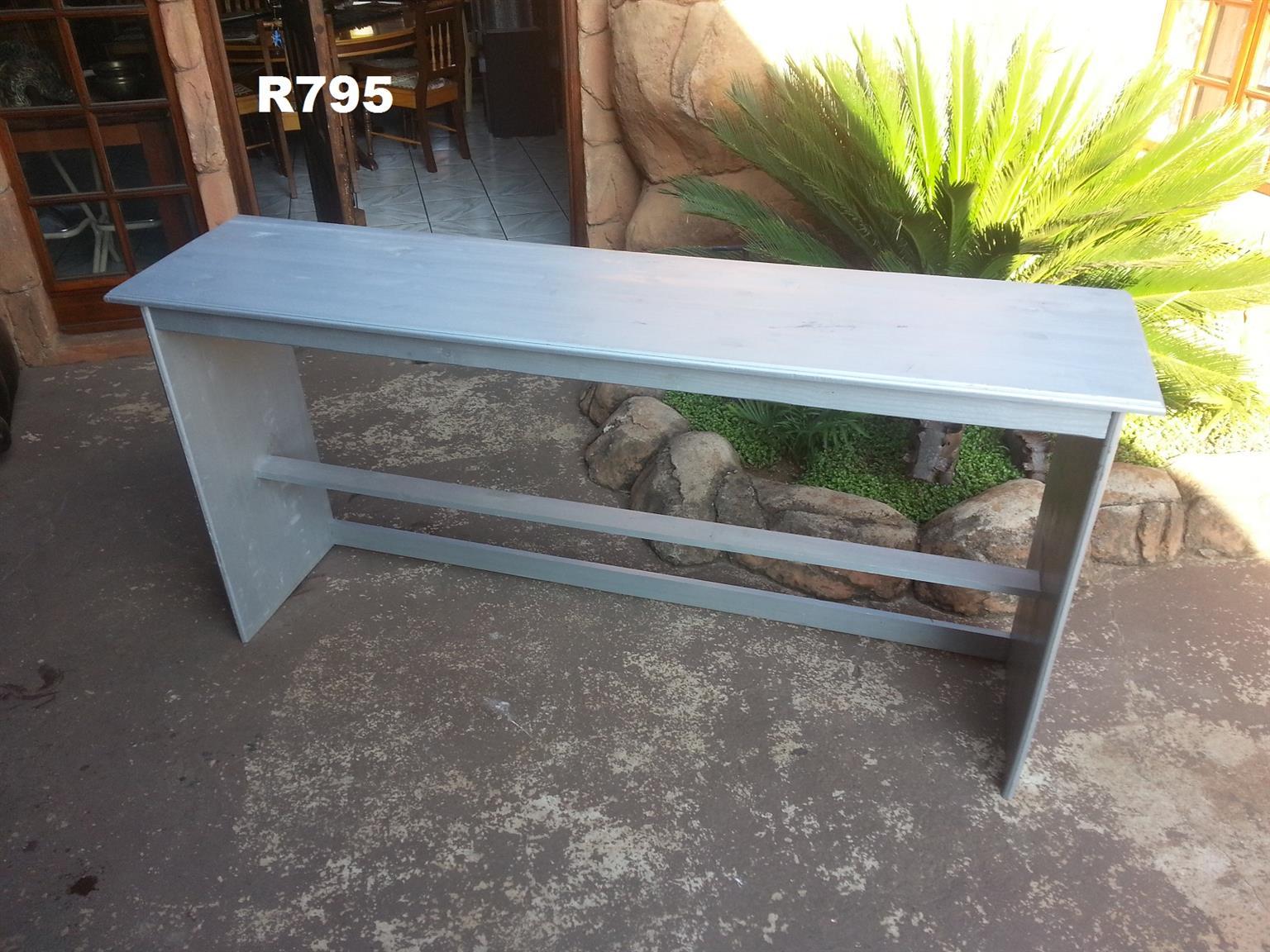 Server Table (1900x445x925)