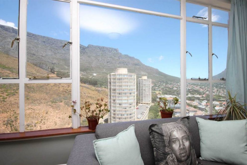 SPECIAL PRICE! Furnished 1Bedroom Flat with sweeping Mountain Views & fast fibre internet in 24h security complex
