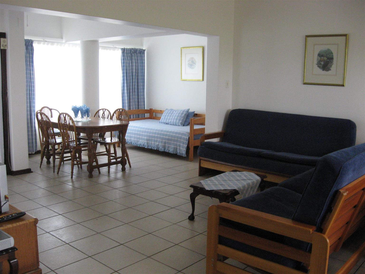 GROUND FLOOR 1 BEDROOM FURNISHED FLAT R4350 p.m. SHELLY BEACH ST MIKE'S UVONGO AVAILABLE JANUARY 2018