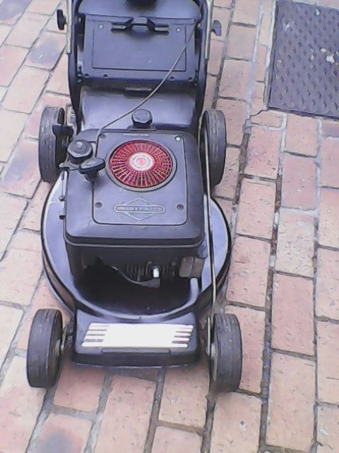 Southern Cross 3.5 HP Petrol lawnmower in excellent condition