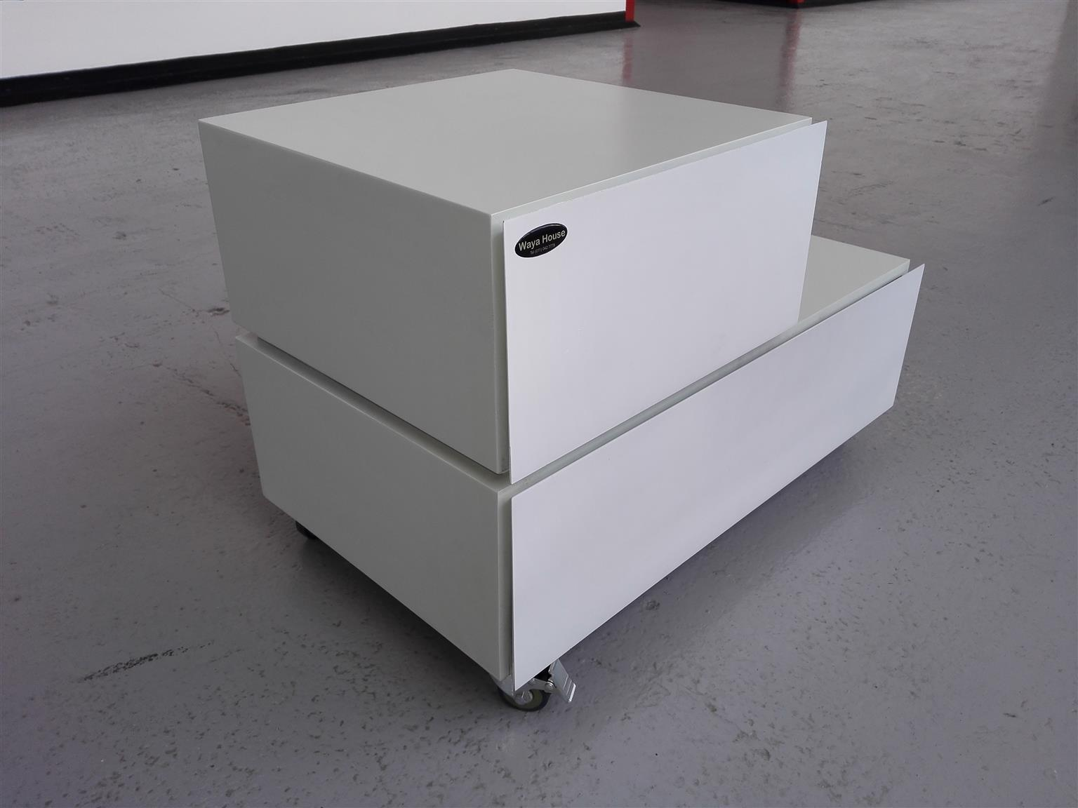 Stepped play bedside drawers