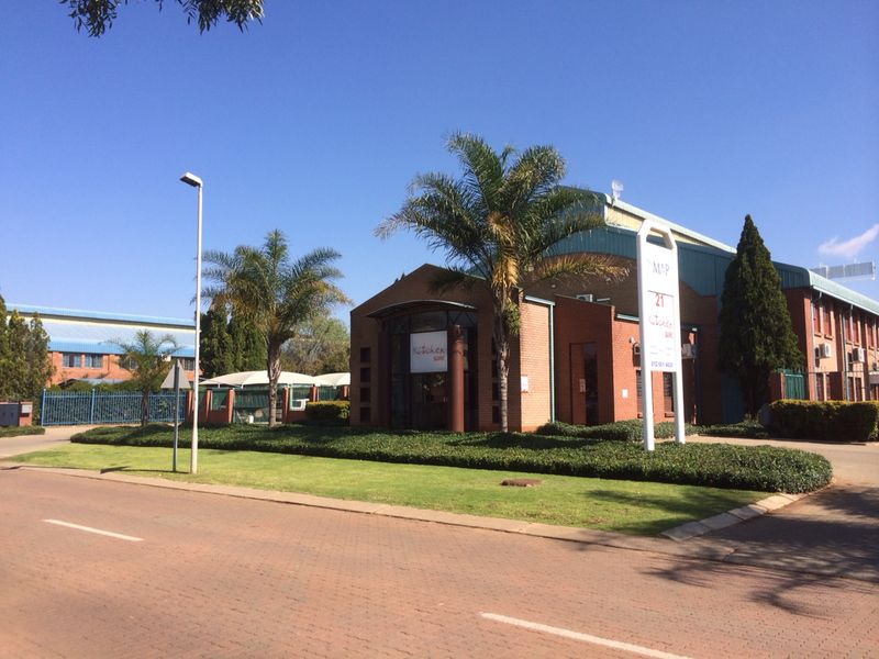 WAREHOUSE / FACTORY / OFFICE To LET IN GATEWAY PARK , CENTURION!!