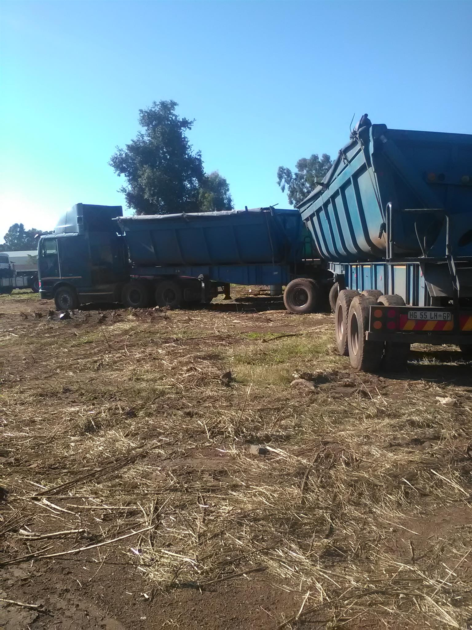Low cost second hand 9800H with super link side tipper up for grabs