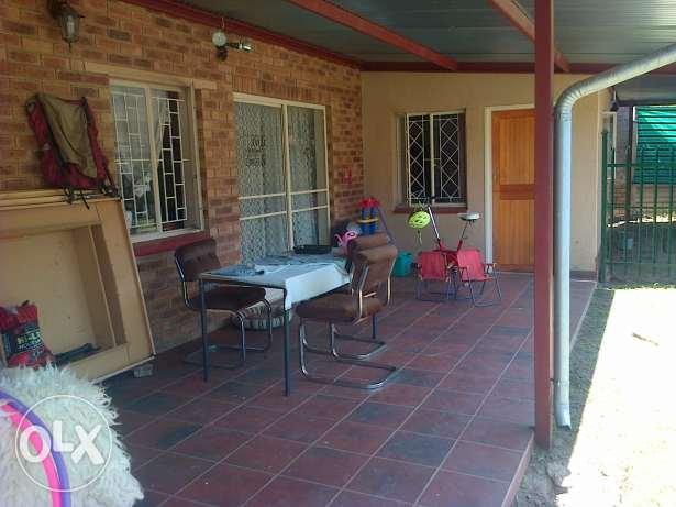 Moot area in Wonderboom South 3 bedroom garden flat to rent. Only R2,000 deposit.