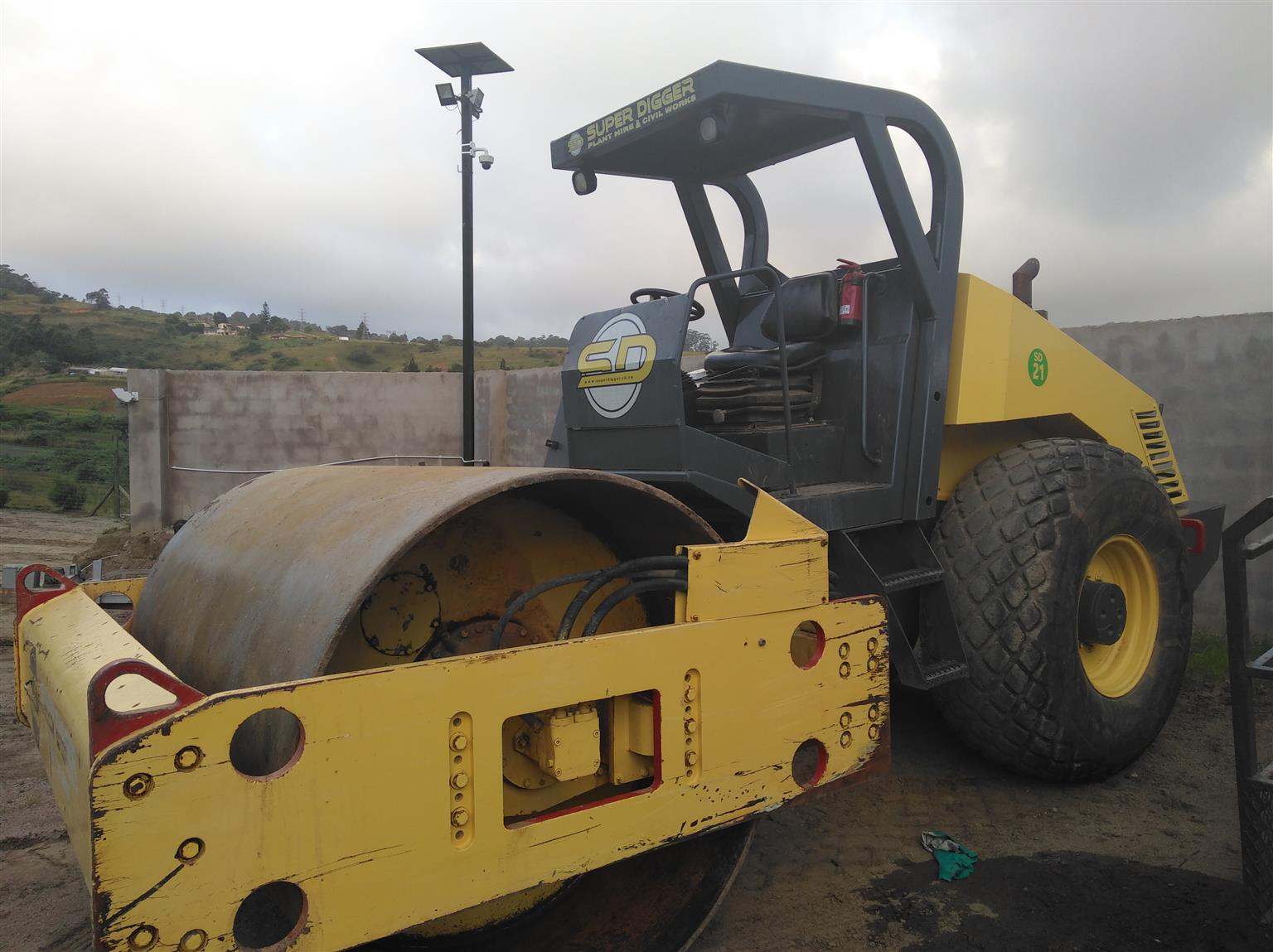 2008 Bomag Smooth Drum 212 Roller for Sale