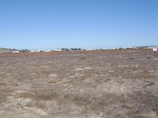 WELBEDACHT WEST-ONCE IN A LIFETIME CHANCE TO BUILD YOUR OWN HOME IN THIS FAST DEVELOPING URBAN AREA