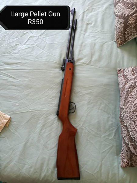 Large pellet gun