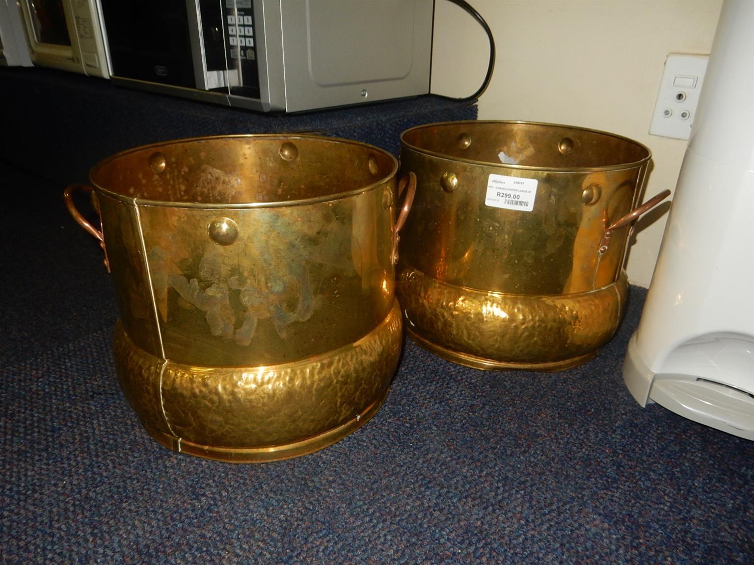 2x Copper Pots