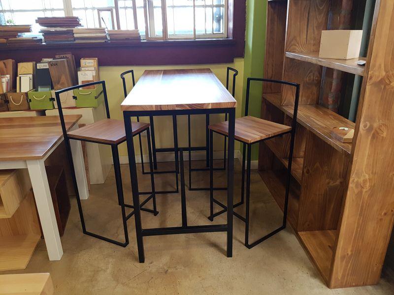 Bar High Table with Bar Stools