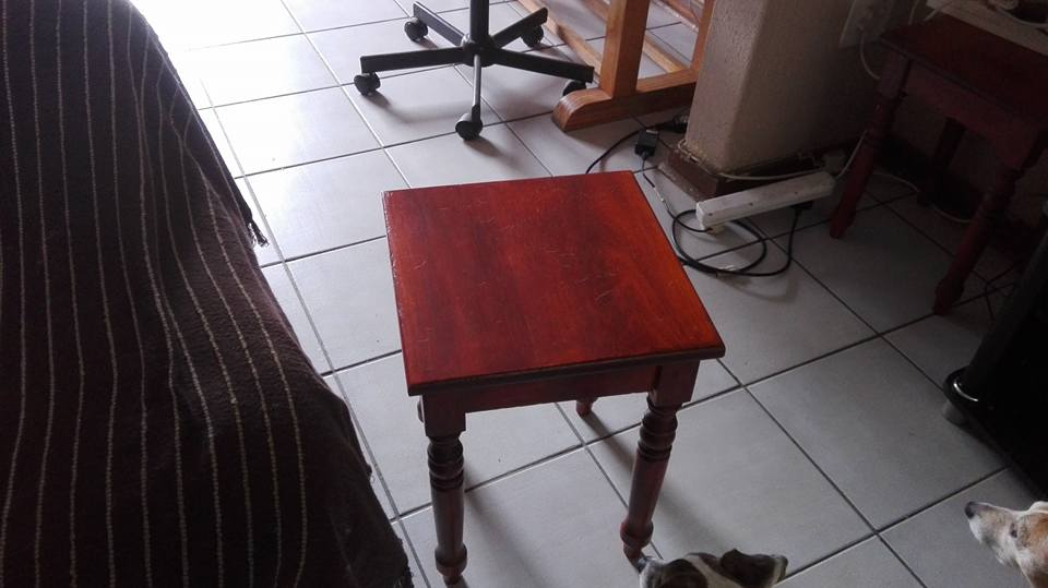 Coffee table and 4 side tables