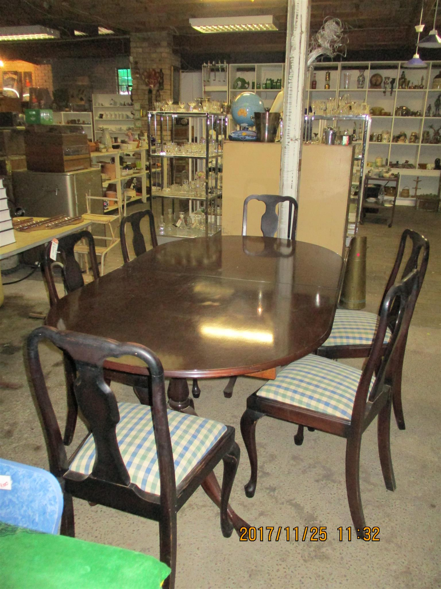 2nd Hand Wooden 6 Seater Dining Room Table And Chairs For Sale