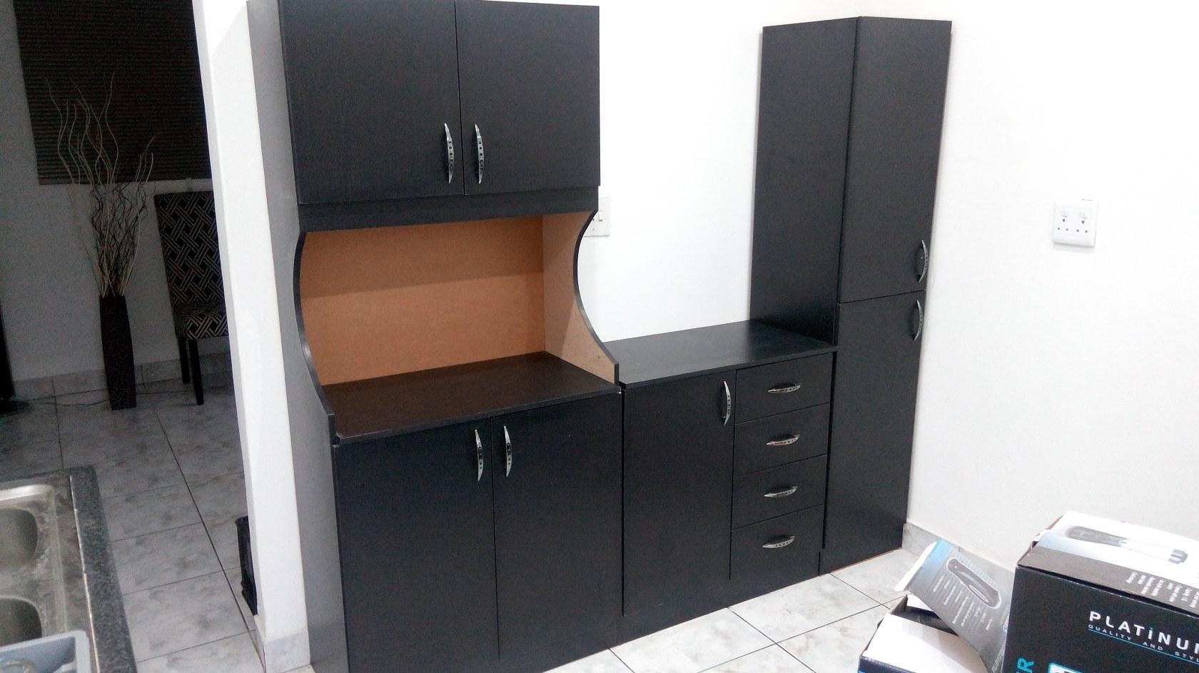 Kitchen Cupboards 3 Piece