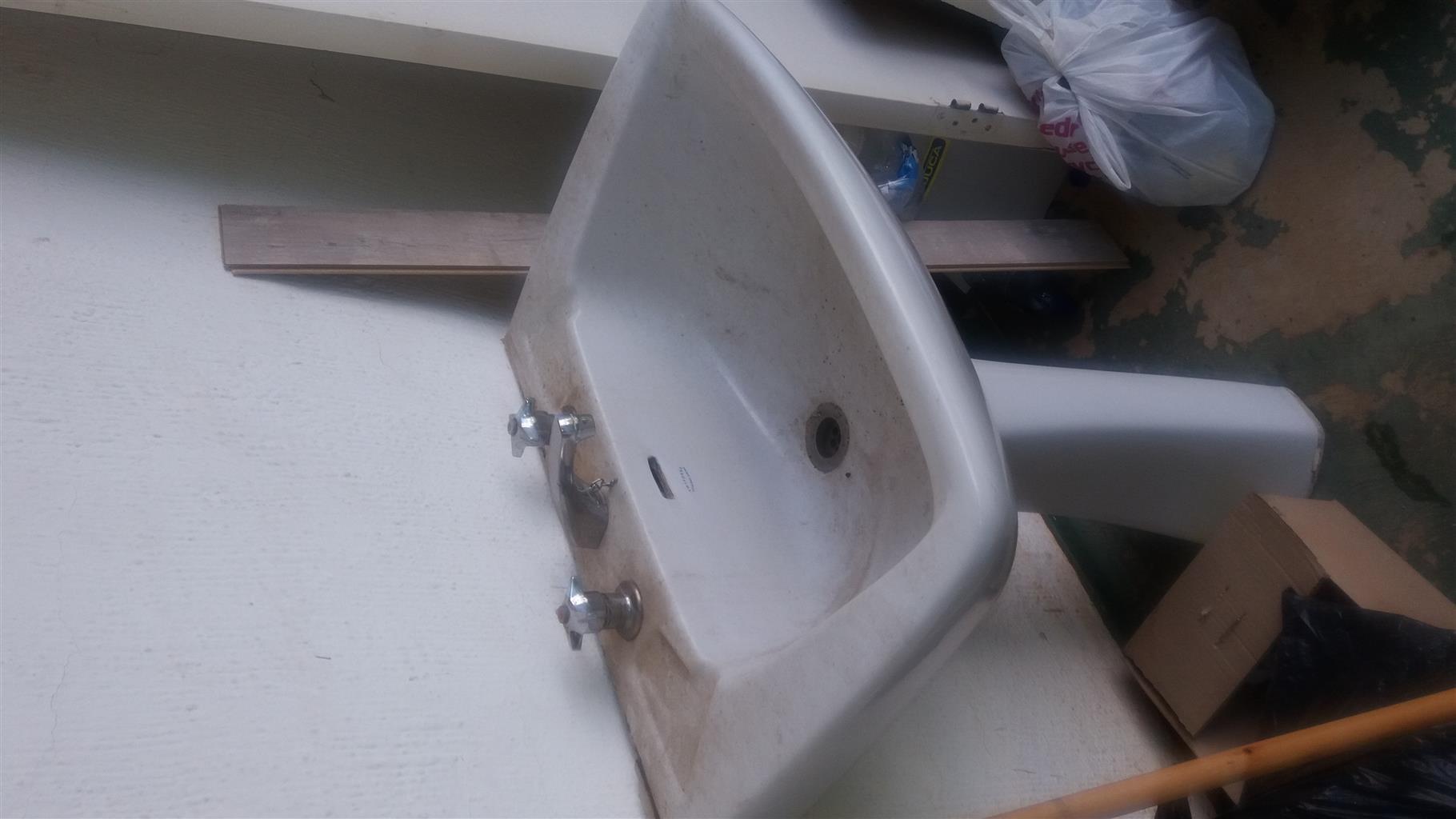 Bathroom Basin for Sale - R150