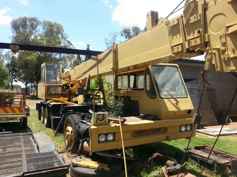 P&H 20 Ton Crane