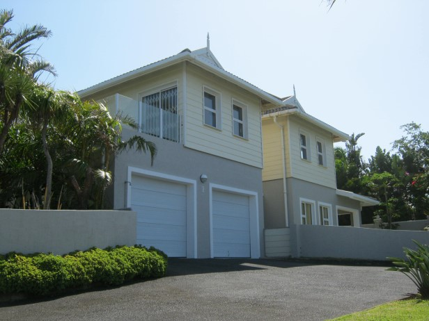 3 Bedroom Upmarket Cape Cod Style Townhouse with Lovely Sea Views for sale in Port Edward