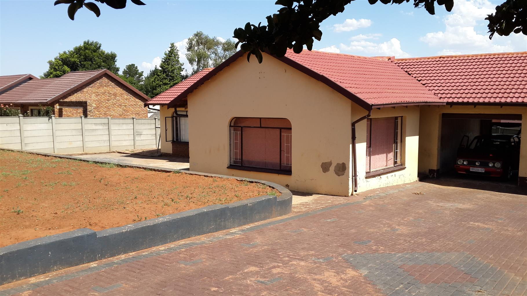 Family House to rent in Roodepoort