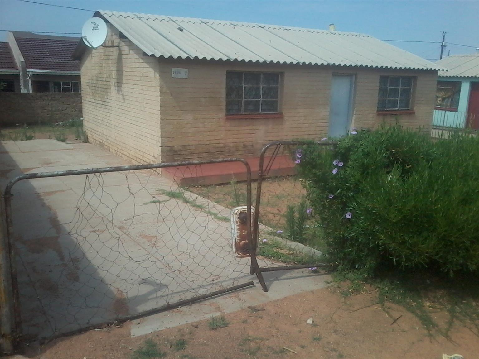 4 room in Mabopane