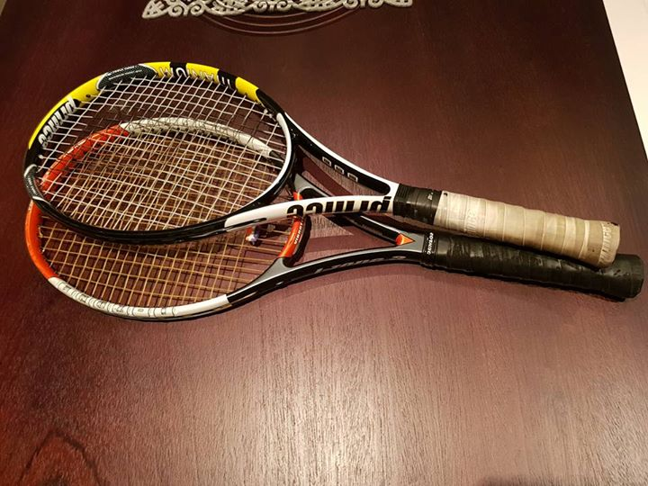 2 Tennis racquets. Dunlop i-zone 3 and Prince Lob Ti.