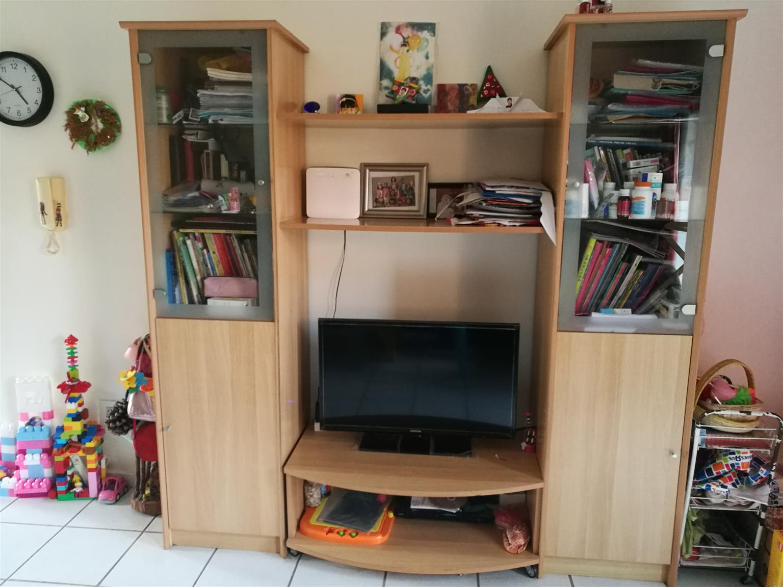 TV set and cabinet for sale, get a bed base for free
