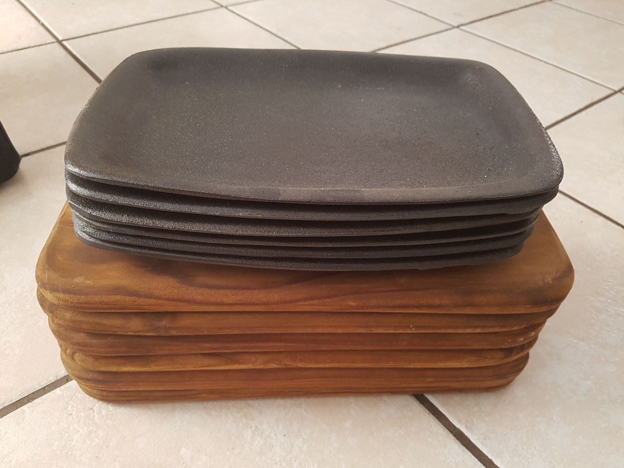 6x Cast Iron Sizzler Steak Plates on Wooden Bases