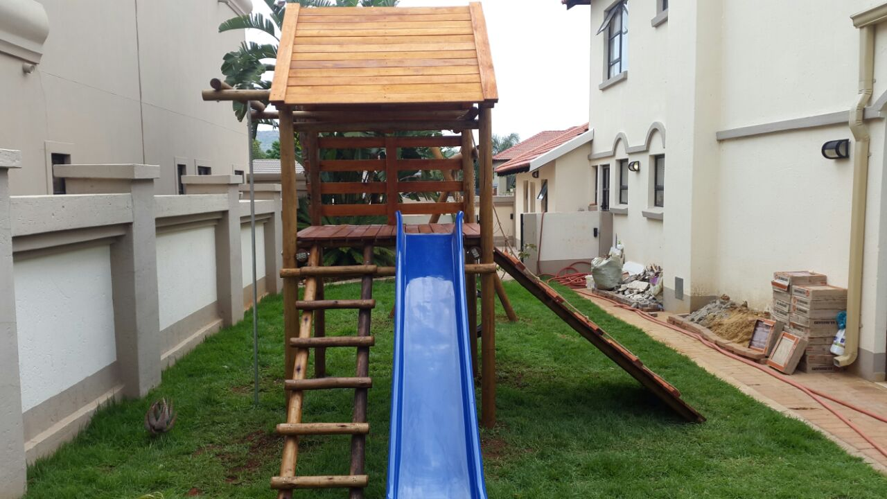 New wooden jungle gyms R6000.00 free delivery and installation