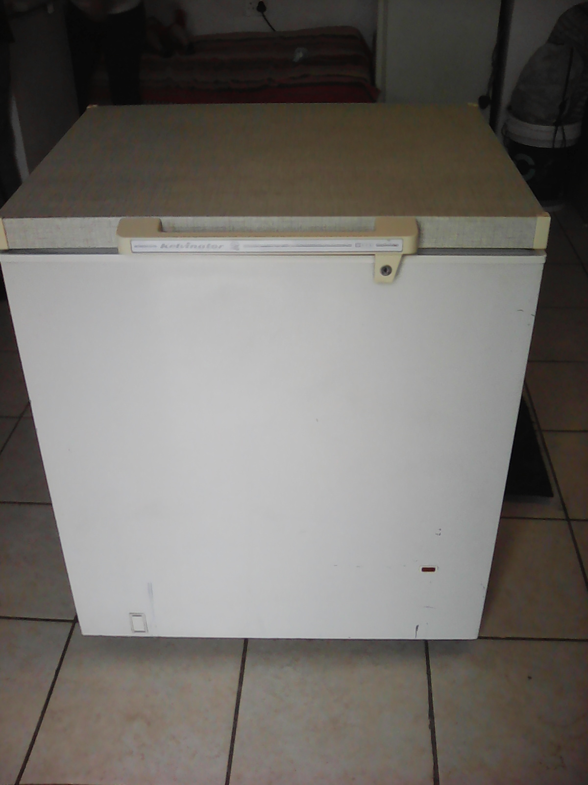 2x Deep freezers 2xbar fridges