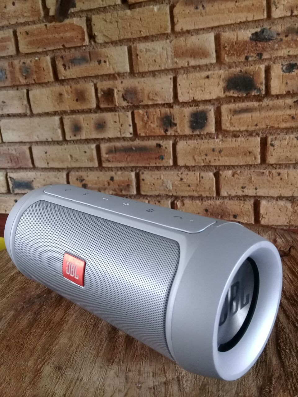 how to connect jbl wireless speakers